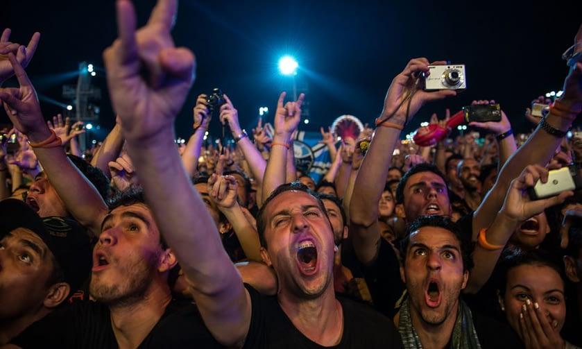 audienca interactiva en concierto de rock